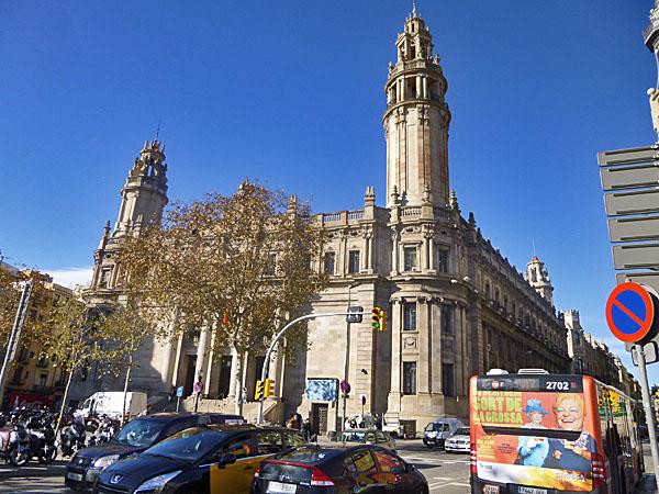 Edificio de correos barcelona spain for Oficina de correos barcelona