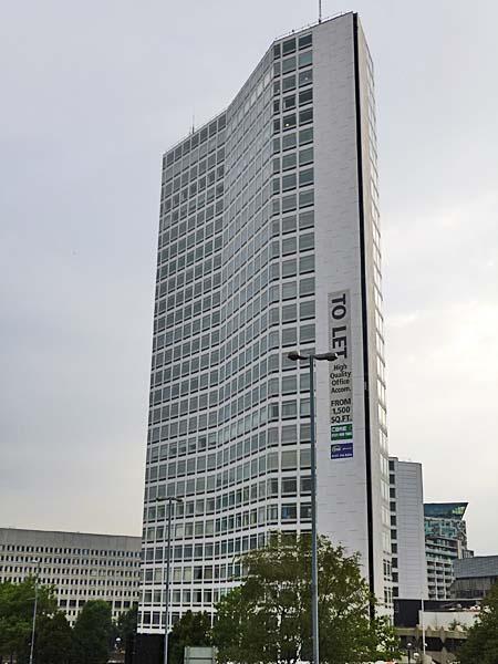 The Alpha Tower - Suffolk Street Queensway