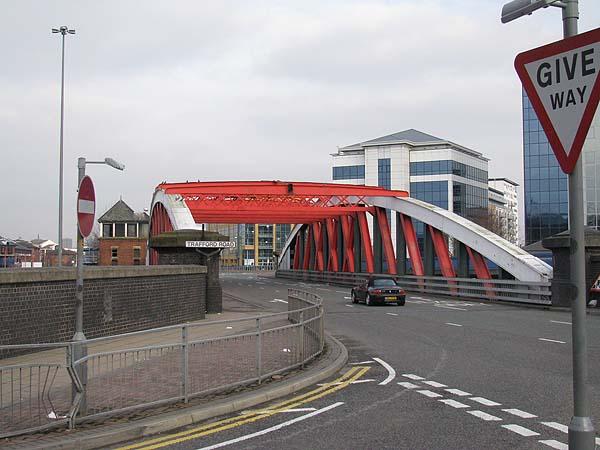 Swinging bridge trafford